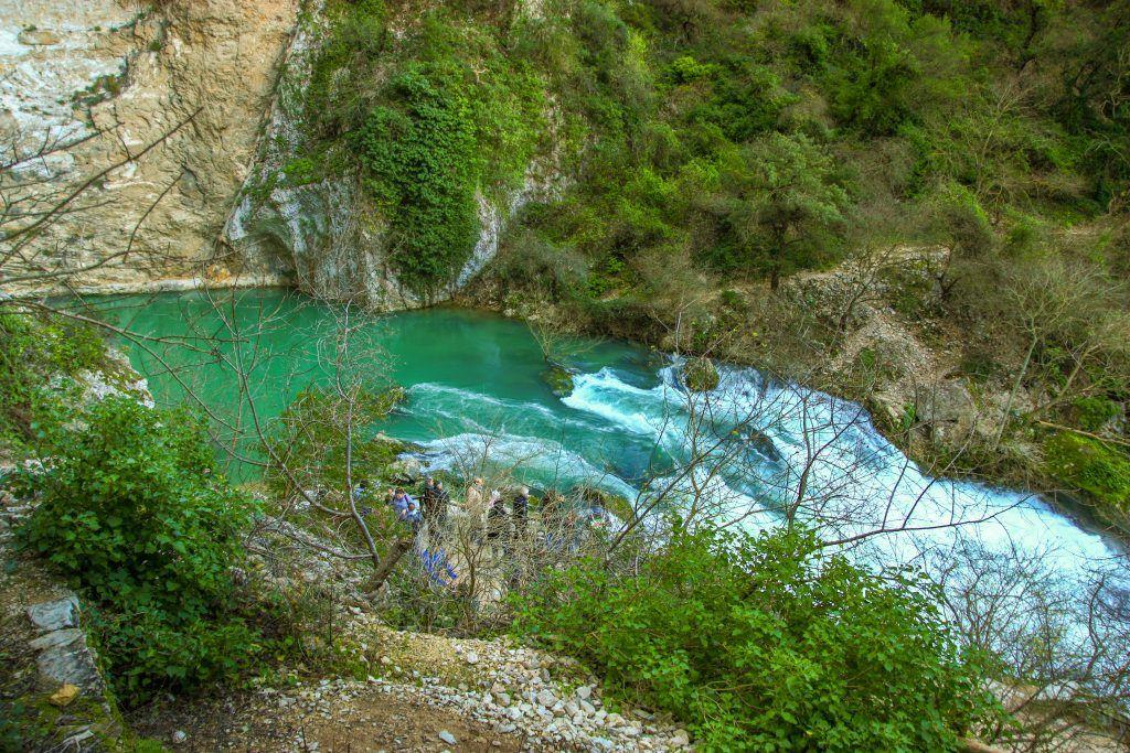 Nacimiento del río Sorgue y la Fontaine de Vaucluse
